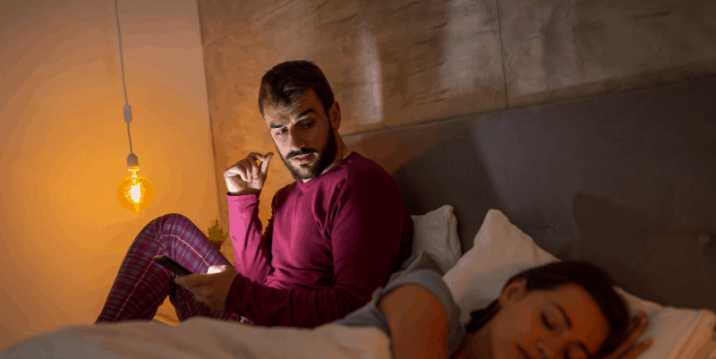 man-cheating-woman-in-bed