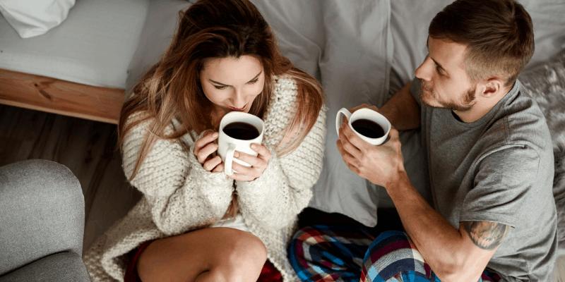 cosy relaiotnhsip couple enjoying tea